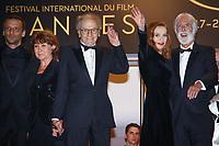 Mathieu Kassovitz, Jean-Louis Trintignant, Isabelle Huppert et Michael Haneke sur le tapis rouge pour la projection du film HAPPY END lors du soixante-dixième (70ème) Festival du Film à Cannes, Palais des Festivals et des Congres, Cannes, Sud de la France, lundi 22 mai 2017.
