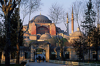 Europe/Turquie/Istanbul : Basilique Sainte-Sophie (architecture byzantine) érigée entre 532 et 537