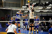 24-03-2021: Volleybal: Amysoft Lycurgus v Sliedrecht Sport: Groningen , Lycurgus speler Dennis Borst verrast het blok van Sliedrecht