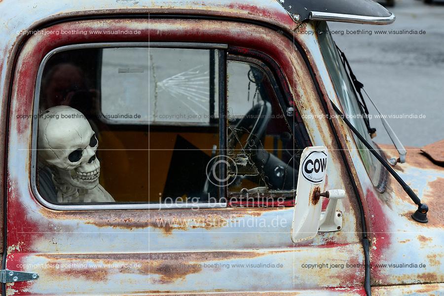 USA, Virginia, Waynesboro, skeleton in classic car