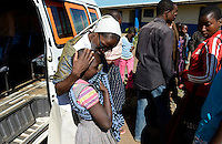 TANZANIA Mara, Tarime, village Masanga, region of the Kuria tribe who practise FGM Female Genital Mutilation, temporary rescue camp of the Diocese Musoma for girls which escaped from their villages to prevent FGM / TANSANIA Mara, Tarime, Dorf Masanga, in der Region lebt der Kuria Tribe, der FGM weibliche Genitalbeschneidung praktiziert, temporaerer Zufluchtsort fuer Maedchen, denen in ihrem Dorf Genitalverstuemmelung droht, in einer Schule der Dioezese Musoma, Schwestern DAUGHTERS OF CHARITY (ST. VINCENT DE PAUL), Schwester SR. GERMAINE BAIBIKA empfaengt neue Maedchen aus den Doerfern
