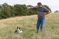 Yves LE BORGNE et un de ses chiens de troupeau