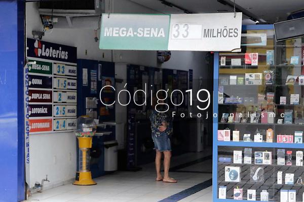 Campinas (SP), 17/08/2020 - Lotérica - Movimentação em casa lotérica, na cidade de Campinas (SP), nesta segunda-feira (17). Ninguém acertou as seis dezenas sorteadas pela Caixa e acumulou para o próximo sorteio que terá uma premiação máxima de R$ 33 milhões.