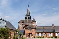France, Aisne (02), Thiérache, Parfondeval, labellisé Les Plus Beaux Villages de France, église fortifiée Saint-Médard