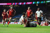 Mike Brown of England scores his second try of the night during Match 1 of the Rugby World Cup 2015 between England and Fiji - 18/09/2015 - Twickenham Stadium, London <br /> Mandatory Credit: Rob Munro/Stewart Communications