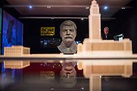 """Sonderausstellung """"Der Rote Gott – Stalin und die Deutschen"""" ueber den Stalin-Kult in der fruehen DDR in der Gedenkstaette Berlin-Hohenschoenhausen.<br /> In der Ausstellung werden Objekte des Stalin-Kults gezeigt. Dazu gehoert ein identischer Abguss der fast fuenf Meter hohen Stalin-Statue, die bis 1961 auf der Stalinallee, der heutigen Karl-Marx-Allee, stand.<br /> 23.1.2018, Berlin<br /> Copyright: Christian-Ditsch.de<br /> [Inhaltsveraendernde Manipulation des Fotos nur nach ausdruecklicher Genehmigung des Fotografen. Vereinbarungen ueber Abtretung von Persoenlichkeitsrechten/Model Release der abgebildeten Person/Personen liegen nicht vor. NO MODEL RELEASE! Nur fuer Redaktionelle Zwecke. Don't publish without copyright Christian-Ditsch.de, Veroeffentlichung nur mit Fotografennennung, sowie gegen Honorar, MwSt. und Beleg. Konto: I N G - D i B a, IBAN DE58500105175400192269, BIC INGDDEFFXXX, Kontakt: post@christian-ditsch.de<br /> Bei der Bearbeitung der Dateiinformationen darf die Urheberkennzeichnung in den EXIF- und  IPTC-Daten nicht entfernt werden, diese sind in digitalen Medien nach §95c UrhG rechtlich geschuetzt. Der Urhebervermerk wird gemaess §13 UrhG verlangt.]"""