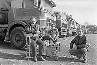 - parcheggio di autocarri TIR turchi sulla strada statale del Sempione, a nord di Milano (novembre 1987)<br /> <br /> parking of Turkish TIR trucks on the Simplon State Road, north of Milan (November 1987)
