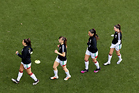OHL players during the warm up before a female soccer game between Oud Heverlee Leuven and Standard femina de liege on the 5 th matchday of play off 1 in the 2020 - 2021 season of Belgian Womens Super League , saturday 8 th of May 2021  in Heverlee , Belgium . PHOTO SPORTPIX.BE | SPP | SEVIL OKTEM