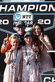 Champion #9 Scott Dixon, Chip Ganassi Racing Honda with wife Emma and daughters