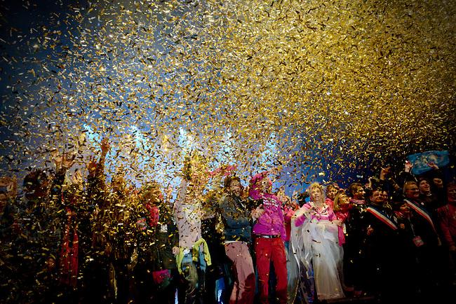 """FRANCE, Paris, 13.01.2013. Manifestation contre le mariage homosexuel..Entre 340000 et 800000 personnes ont défilé ce dimanche à Paris contre le mariage homosexuel. Trois cortèges officiels organisés par le collectif """"Manif pour tous"""" ont convervé vers le Champs de Mars.  Sur la scène, se sont retrouvés les associations membres du collectif """"Manif pour tous"""", les mariannes brandissant le code civil, la chanteur roumaine Rona Hartner ainsi que la porte parole du mouvement Frigide Barjot..© Bruno Cogez.FRANCE, Paris, 2013.01.13. Demonstration against gay marriage..Between 340,000 and 800,000 people marched Sunday in Paris against gay marriage. Three official processions organized by the group """"Protest all"""" converged on the Champs de Mars. On the stage, met the members of the collective associations """"Protest for all,"""" the Marianes brandishing the Civil Code, the Romanian singer Rona Hartner and spokesman of the movement Frigid Barjot (on the right)..© Bruno Cogez"""