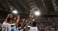 Calcio, finale Tim Cup: Milan vs Juventus. Roma, stadio Olimpico, 21 maggio 2016.<br /> Juventus' Paul Pogba, right, and his teammates show the trophy to fans at the end of the Italian Cup final football match between AC Milan and Juventus at Rome's Olympic stadium, 21 May 2016. Juventus won 1-0 in the extra time.<br /> UPDATE IMAGES PRESS/Isabella Bonotto