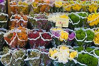 Flower stand on Manhattan, New York, USA