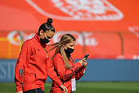Belgian players with Nicky Evrard (L)  inspecting the pitch of the Koning Boudewijnstadion pictured before a Womens International Friendly game between Belgium , called the Red Flames and Norway at Koning Boudewijnstadion in Brussels , Belgium. PHOTO: SPORTPIX.BE | SPP | SEVIL OKTEM
