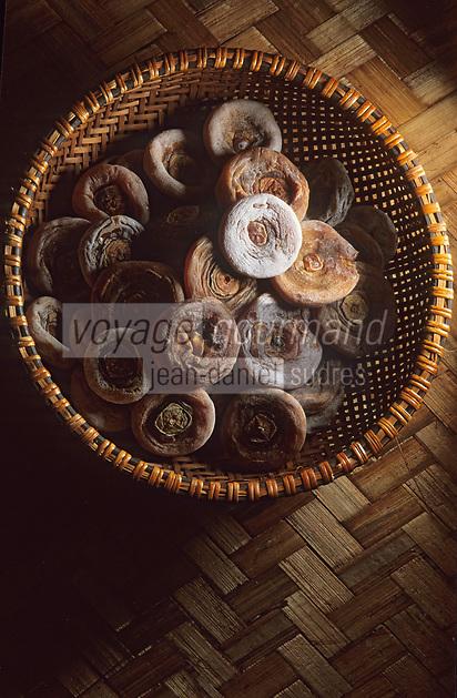 Asie/Vietnam/Hanoi: le marché détail de fruits de Kaki séchés