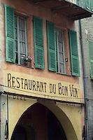 Europe/France/Provence-Alpes-Côtes d'Azur/06/Alpes-Maritimes/Arrière Pays Niçois/Sospel : Détail enseigne de restaurant sur le mur