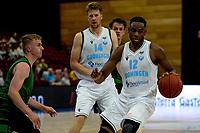 GRONINGEN - Basketbal, Donar - Groen Uilen, voorbereiding seizoen 2021-2022, 21-08-2021,  Donar speler Amanze Egekeze en Donar speler Thomas Koenis