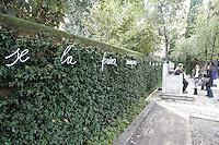 Installazione artistica nei giardini della Peggy Guggenheim Collection a Venezia.<br /> Art installation in the gardens of Peggy Guggenheim's collection museum in Venice.<br /> UPDATE IMAGES PRESS/Riccardo De Luca
