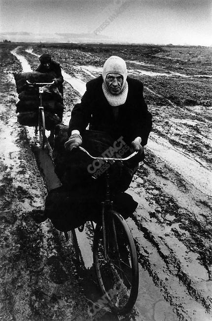 Man with sacks of coal, Sunderland, Great Britain, 1972