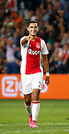 Nederland, Amsterdam, 15 augustus 2015<br /> Eredivisie<br /> Seizoen 2015-2016<br /> Ajax-Willem ll (3-0)<br /> Anwar El Ghazi van Ajax wijst naar Lasse Schone, verantwoordelijk voor de assist, nadat hij de 3-0 heeft gescoord.