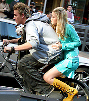 "RILEY SMITH and ASHLEY OLSEN FILMING ""NEW YORK MINUTE"" ON CANAL ST IN NEW YORK CITY 10/2/2003 <br /> Photo By John Barrett/PHOTOlink"