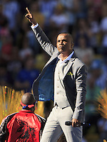 Alexandre Pires performs during the closing ceremony