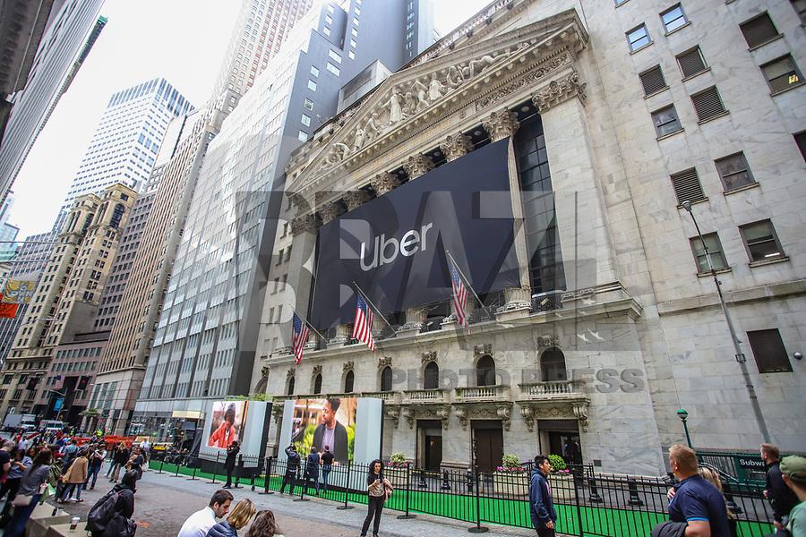 Nova York (EUA), 10/05/2019 - Uber / Bolsa de Valores - Uma bandeira Uber é vista na fachada da Bolsa de Valores de Nova York antes do IPO (Initial Public Offering) da empresa de caronas, em Nova York nos Estados Unidos nesta sexta-feira, 10. (Foto: Vanessa Carvalho/Brazil Photo Press)