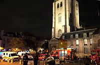 Nnvember 16 2017 PARIS FRANCE Spectacular Fire at the Mythical Book Store la Hune on rue de L'Abbaye Paris. # INCENDIE DANS L' ANCIENNE LIBRAIRIE LA HUNE