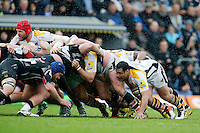 Photo: Richard Lane/Richard Lane Photography. Exeter Chiefs v Wasps. Aviva Premiership Semi Final. 21/05/2016.  Wasps' James Haskell and George Smith at a scrum.