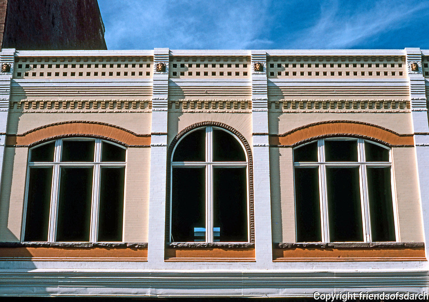 San Diego: Upper Facade, 800 Block of Fifth Avenue, Gaslamp District. (Adjoins Keating Building.) Photo '81.