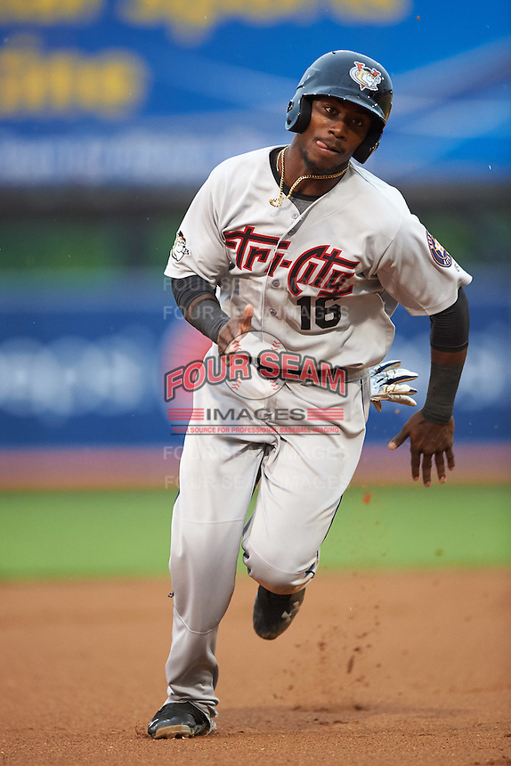 Tri-City ValleyCats designated hitter Hector Roa (16) running the bases during a game against the Aberdeen Ironbirds on August 6, 2015 at Ripken Stadium in Aberdeen, Maryland.  Tri-City defeated Aberdeen 5-0 in a combined no-hitter.  (Mike Janes/Four Seam Images)