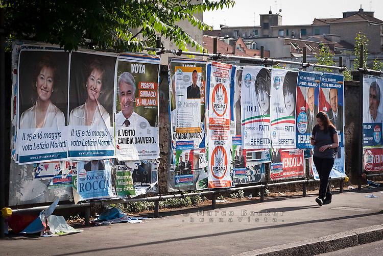 Milano, manifesti elettorali per le elezioni amministrative comunali 2011 --- Milan, campaign posters for local municipal elections 2011