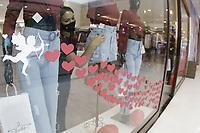 Campinas (SP), 09/06/2021 - Comércio - Movimentação em lojas do Shopping Parque das Bandeiras, na cidade de Campinas, interior de São Paulo. As vendas dos shoppings no Dia dos Namorados neste ano devem ser, em média, 52% maiores do que no mesmo período do ano passado, de acordo com estimativa da Associação Brasileira de Shopping Centers (Abrasce). A principal razão para essa perspectiva de recuperação das vendas está nas flexibilizações para o funcionamento do comércio. (Foto: Denny Cesare/Codigo19)