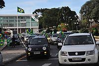 CURITIBA, PR 11.04.21 :Manifestantes pedem reabertura de igrejas e tratamento precoce .Representantes religiosos ligados a alas mais conservadoras de igrejas evangélicas e católicas, apoiadores do presidente Jair Bolsonaro (sem partido), fizeram nesta tarde de domingo, 11, uma manifestação contra a suspensão das celebrações de cultos e missas presenciais. Um grupo de cerca de 500 carros se concentraram na Praça Nossa Senhora de Salete, no Centro Cívico, para participar a Marcha da Família Cristã pela Liberdade de Curitiba.