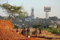 SAMBIA Kitwe im copperbelt, Kupfermine und Schmelze Chambishi Copper Mine gehoert zur chinesischen Firmen Gruppe CNMC China Nonferrous metal mining Co. Ltd / ZAMBIA copperbelt town Kitwe , Chambishi copper mine belongs to chinese Group CNMC China Nonferrous metal mining Co. Ltd