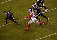 running back Saquon Barkley (26) of the New York Giants gegen middle linebacker Duke Riley (50) of the Philadelphia Eagles, cornerback Avonte Maddox (29) of the Philadelphia Eagles - 09.12.2019: Philadelphia Eagles vs. New York Giants, Monday Night Football, Lincoln Financial Field