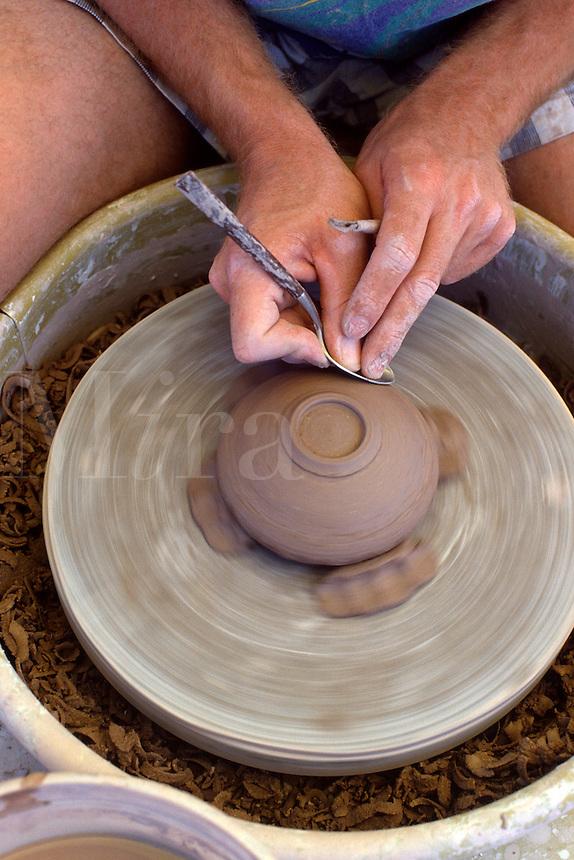 Potter creates a new pot.<br />