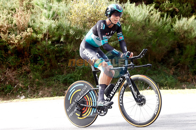 Bora Hansgrohe rider climbs during Stage 13 of the Vuelta Espana 2020 an individual time trial running 33.7km from Muros to Mirador de Ézaro. Dumbría, Spain. 3rd November 2020. <br /> Picture: Luis Angel Gomez/PhotoSportGomez | Cyclefile<br /> <br /> All photos usage must carry mandatory copyright credit (© Cyclefile | Luis Angel Gomez/PhotoSportGomez)