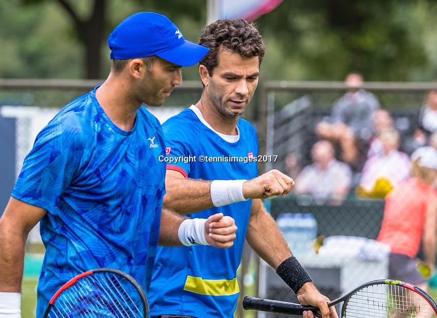 Den Bosch, Netherlands, 13 June, 2017, Tennis, Ricoh Open, Men's doubles, Jean-Julien Rojer (NED) / Horia Tecau (ROU) (L)<br /> Photo: Henk Koster/tennisimages.com