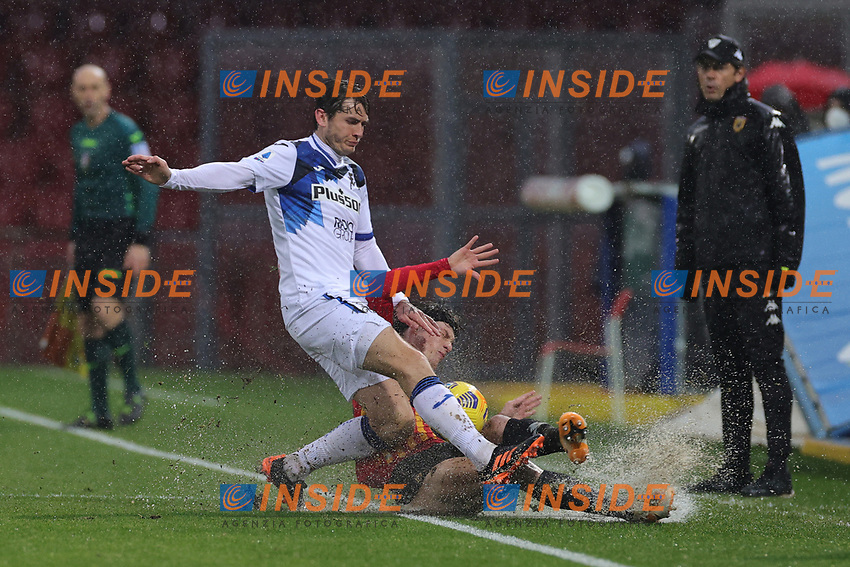 Matteo Pessina of Atalanta BC and Perparim Hetemaj of Benevento Calcio compete for the ball during the Serie A football match between Benevento Calcio and Atalanta BC at stadio Ciro Vigorito in Benevento (Italy), January 09, 2021. <br /> Photo Cesare Purini / Insidefoto