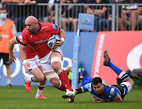 25th September 2021; The Recreation Ground, Bath, Somerset, England; Gallagher Premiership Rugby, Bath versus Newcastle Falcons; Will Muir of Bath misses the tackle on Carl Fearns of Newcastle Falcons