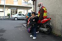 "- South American immigrant working as postman....- immigrato sudamericano lavora come ""Pony Express"""