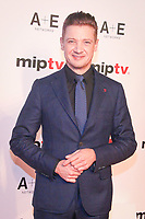 Jeremy Renner - RED CARPET POUR L'OUVERTURE DU MIPTV 2017 A L'HOTEL MARTINEZ - CANNES, FRANCE - LUNDI 3 AVRIL 2017.