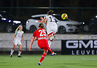 Davinia Vanmechelen (25 Standard) has an attempt on goal and Sara Yuceil (13 OHL) tries to block the shot during a female soccer game between Oud Heverlee Leuven and Standard Femina De Liege on the 10th matchday of the 2020 - 2021 season of Belgian Womens Super League , sunday 20 th of December 2020  in Heverlee , Belgium . PHOTO SPORTPIX.BE   SPP   SEVIL OKTEM