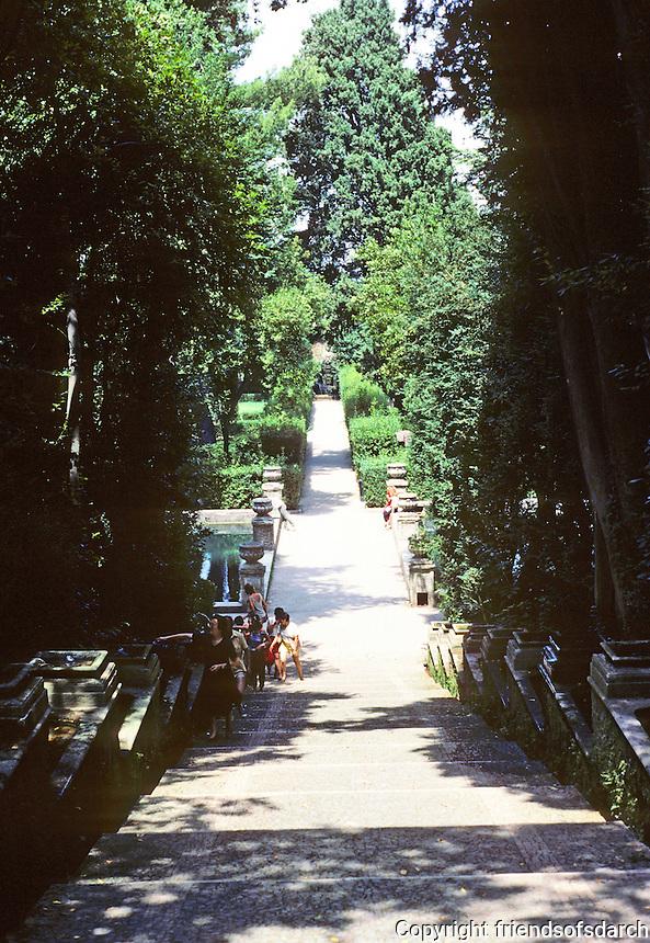 Tivoli: Villa D'Este--Looking down central promenade. Photo '83.