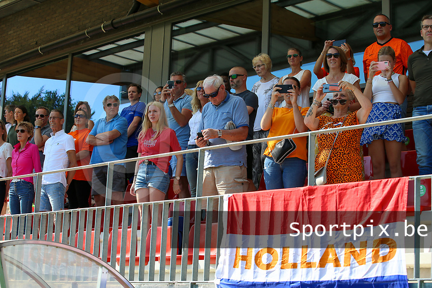 Dutch supporters pictured during the national anthem before an international friendly female soccer game between the national teams of Belgium , called the Red Flames U17 and the Netherlands on Wednesday 8th of September 2020  in Kalmthout , Belgium . PHOTO SPORTPIX.BE   SPP   SEVIL OKTEM