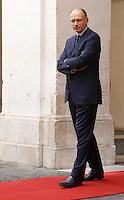 Il Presidente del Consiglio Enrico Letta attende l'arrivo del Primo Ministro thailandese a Palazzo Chigi, Roma, 11 settembre 2013.<br /> Italian Premier Enrico Letta waits for the arrival of Thai Prime Minister at Chigi Palace, Rome, 11 September 2013.<br /> UPDATE IMAGES PRESS/Isabella Bonotto