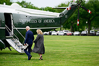 President Biden and First Lady Board Marine One