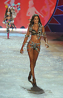 NON EXCLUSIVE PICTURE: MATRIXPICTURES.CO.UK.PLEASE CREDIT ALL USES..UK RIGHTS ONLY..Brazilian model Izabel Goulart is pictured on the runway during the 2012 Victoria's Secret lingerie fashion show, held at New York's Lexington Avenue Armory. ..NOVEMBER 7th 2012..REF: GLK 125134 /NortePhoto