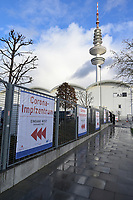 GERMANY, Hamburg, corona pandemic, vaccination center / DEUTSCHLAND, Hamburg, Corona Pandemie, Impfzentrum der KVH und Sozialbehörde Hamburg in den Messehallen
