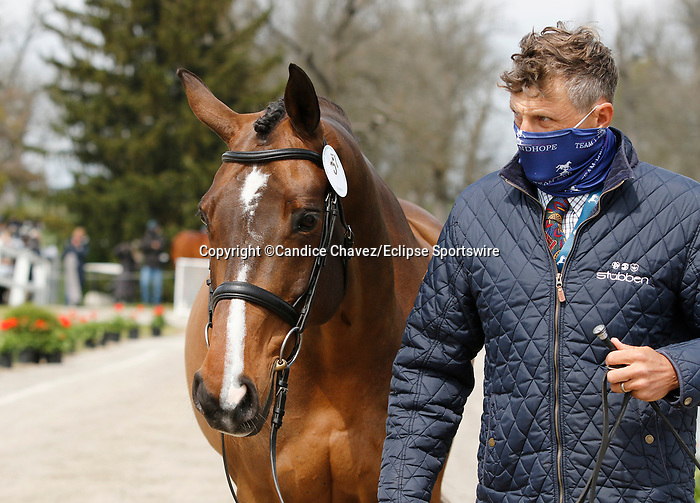 April 21, 2021: 5 Long Island T and rider Boyd Martin from the USA in the first horse veterinary inspection at the Land Rover Three Day Event at the Kentucky Horse Park in Lexington, KY on April 21, 2021.  Candice Chavez/ESW/CSM